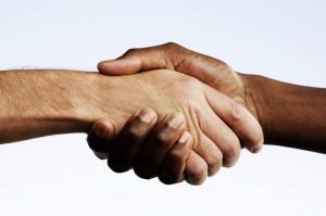 Да стиснем ръце с блогър