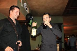 Влад, Ранд, бутилка Jameson и чаша бира Guinness